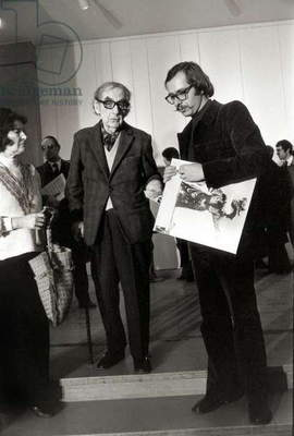 Man Ray Exhibition in Paris on January 6, 1972 : Man Ray (C) (b/w photo)