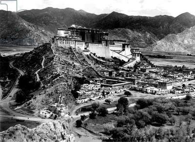 Lhassa and Potala'S Palace on March 31, 1959 (Chineses Have Juste Invaded Tibet) (b/w photo)