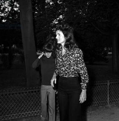 Jackie Kennedy Onassis and her son John Fitzgerald Kennedy Jr (John-John), Paris, 24 June 1973 (photo)