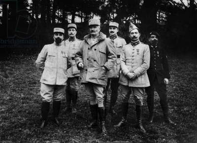 Battle of Verdun, 1916 : General Passaga and his staff after capture of Hardaumont
