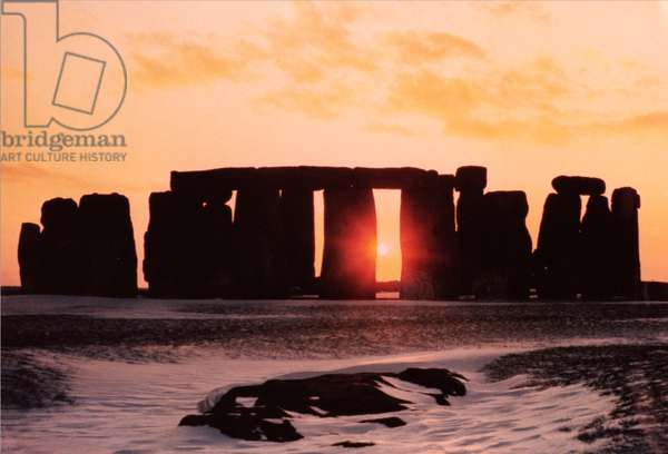 Stonehenge, Winter Solstice (photo)