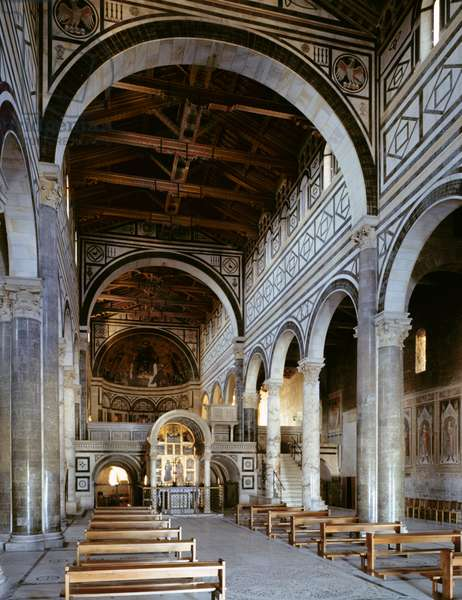 View of the nave, looking east (photo)