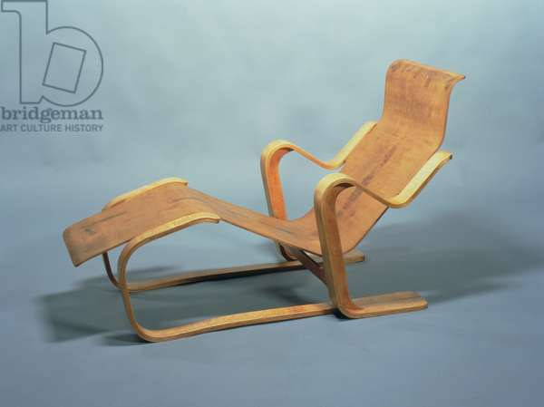 Isokon Long Chair, designed for the Isokon Furniture Company by Marcel Breuer (1902-81) 1935-6 (laminated birch plywood)