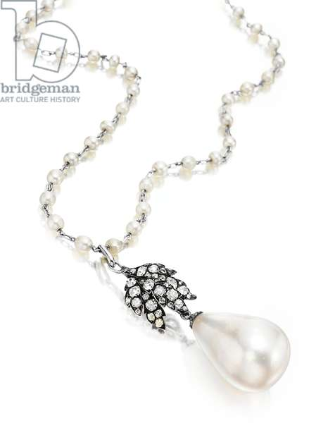 La Peregrina, pearl from the necklace designed by Elizabeth Taylor with Al Durante of Cartier in 1972, with neckchain from the time of purchase at auction in 1969 (pearl, diamonds, seed pearls & platinum) (see also 466659, 469811 and 469844)