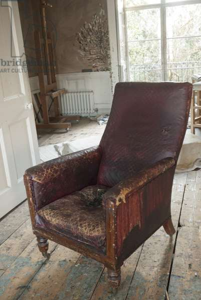 Leather armchair, interior of Lucian Freud's studio, 2011 (photo)