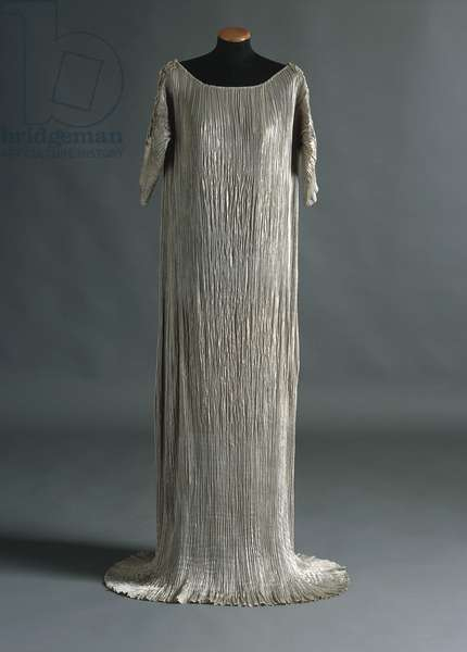 Pleated pearl grey silk Delphos dress, from Mariano Fortuny manufacture, Venice, Italy, 1920-1930
