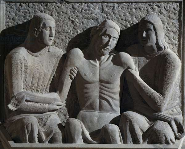 Deposition, by Arturo Martini (1889-1947), sandstone sculpture, 120x130x40 cm. Italy, 20th century.