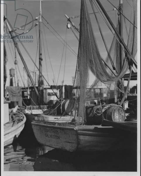 Harbour Shipping Scene, 1935-36 (b/w photo)
