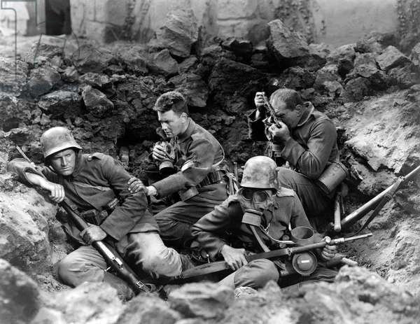 ALL QUIET ON THE WESTERN FRONT by Lewis Milestone with Ben Alexander, Lew Ayres, Louis Wolheim, 1930 (b/w photo)