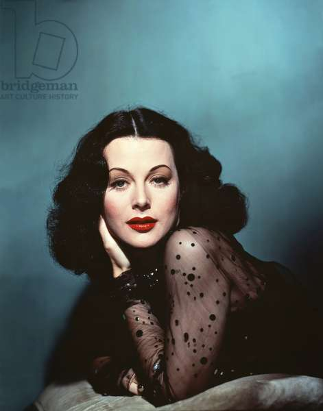 HEDY LAMARR Portrait early 40's. Photo M.G.M (photo)