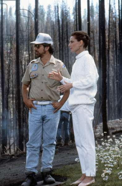 ALWAYS, 1989 directed by STEVEN SPIELBERG On the set, Steven Spielberg directs Audrey Hepburn (photo)