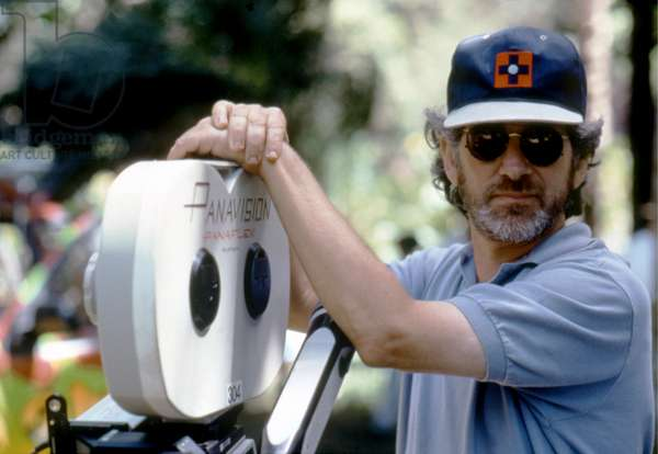 JURASSIC PARK, 1993 directed by STEVEN SPIELBERG On the set, Steven Spielberg (photo)