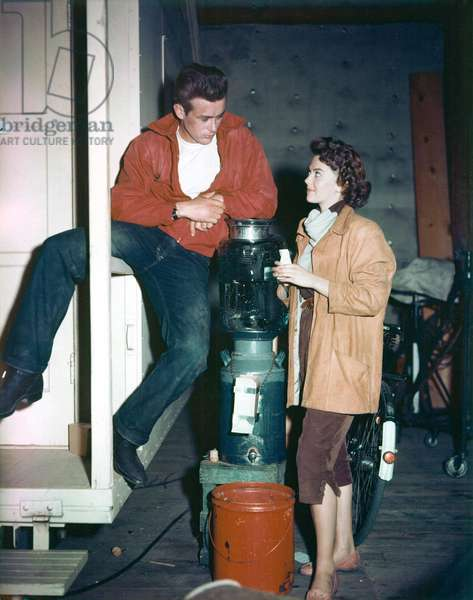 Natalie Wood and James Dean on the set of REBEL WITHOUT A CAUSE, 1955 (photo)