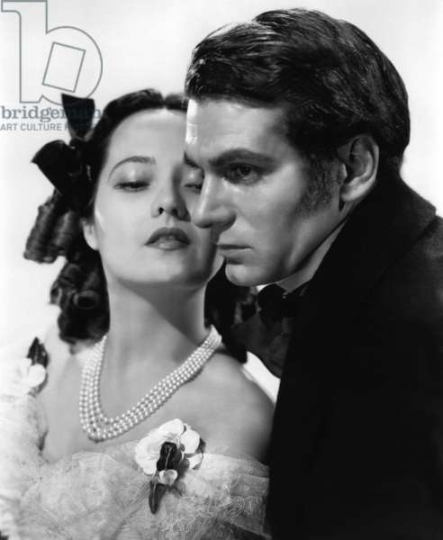 Mandatory Credit: Photo by Everett Collection / Rex USA ( 677245C ) 'Wuthering Heights', Merle Oberon, Laurence Olivier, 1939 Laurence Olivier WUTHERING HEIGHTS, 1939 directed by WILLIAM WYLER (b/w photo)