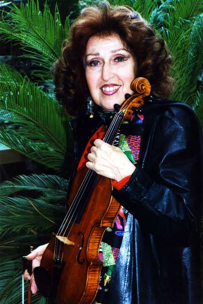 Ida Haendel with violin