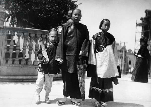 SAN FRANCISCO: CHINATOWN A Chinese immigrant family in Chinatown, San Francisco, California. Photograph, c.1890.
