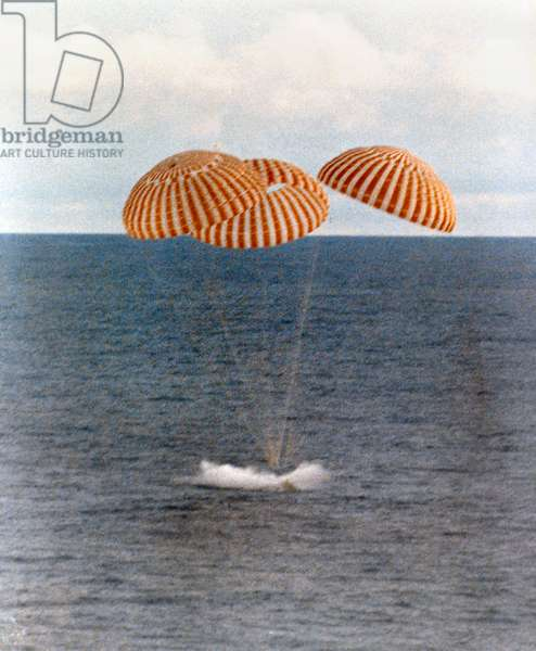 APOLLO 13: SPLASHDOWN, 1970 The splashdown of the Apollo 13 Command Module in the South Pacific. Photograph, 1970.