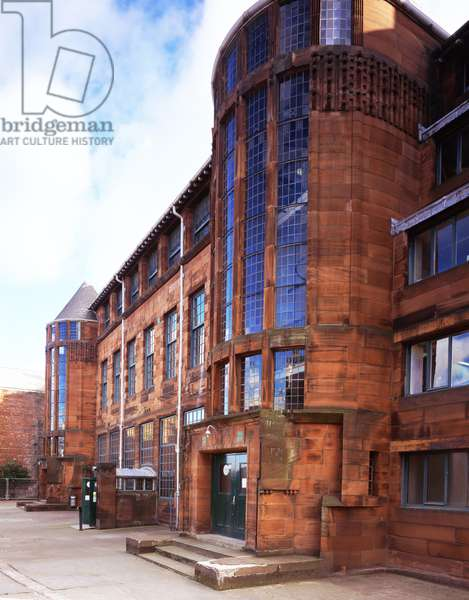 Detailed view of north facing elevation of Scotland Street School designed by Charles Rennie Mackintosh (photo)