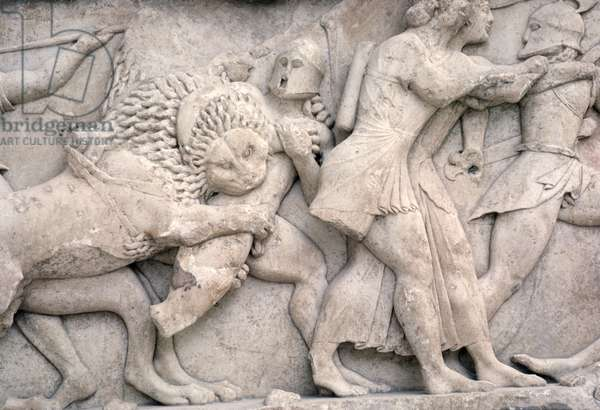 Fighting outside Troy, frieze from the Siphnian Treasury, c.525 BC (marble)
