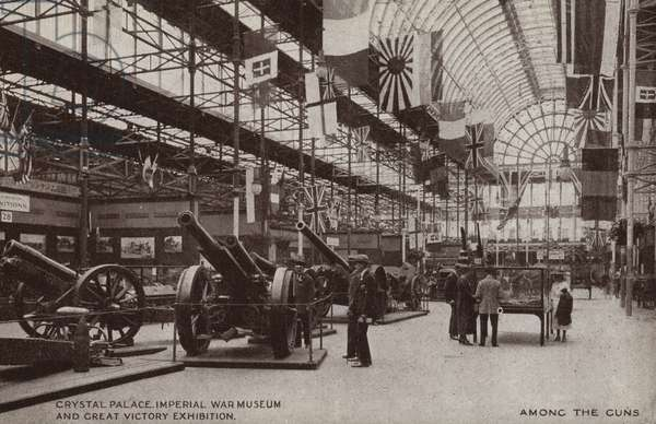 Crystal Palace, Imperial War Museum and Great Victory Museum, Among the guns (b/w photo)