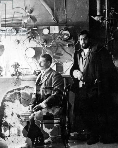 Mariano Fortuny in his studio