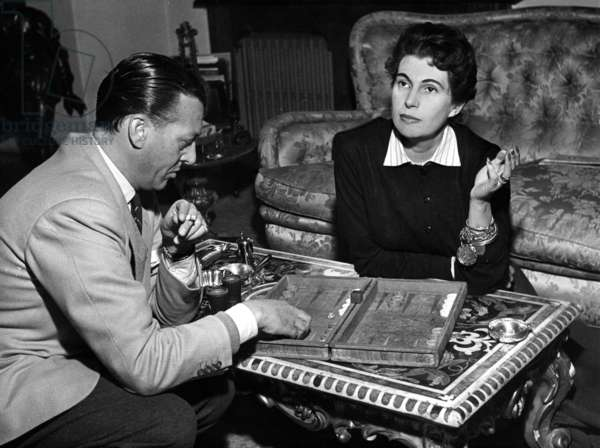 Alberto Fabiani playing backgammon with Simonetta Visconti