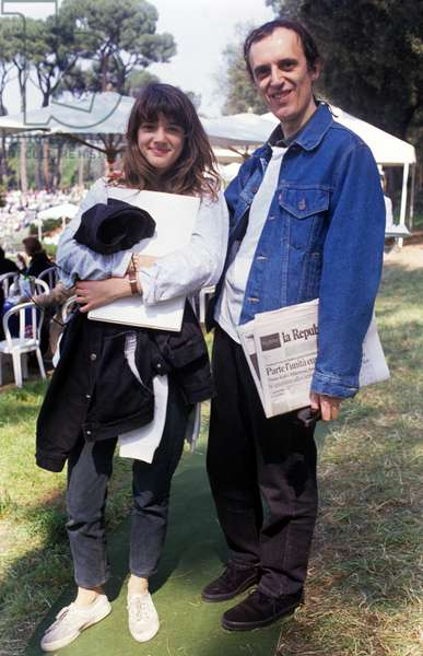 Dario Argento with his daughter Asia, Italy, 1989 (photo)
