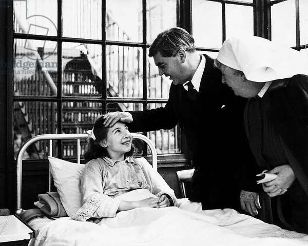 Aneurin Bevan the Nation Health Minister and founder of the NHS, Park Hospital Davy Hulme, Lancashire. Sylvia Beckingham aged 13 was too shy to ask him any questions, 1947 (b/w photo)