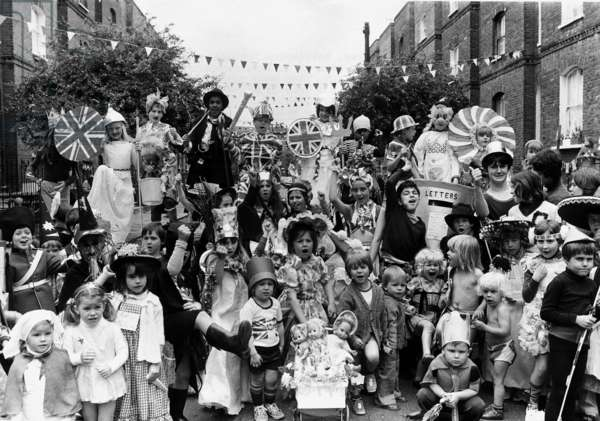 Silver Jubilee street party on Methley Street and Radcot Street, 1977 (b/w photo)