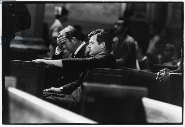 Ted Kennedy mourning the death of his brother Robert F. Kennedy, 1968 (b/w photo)