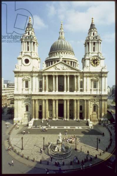West front of St. Paul's Cathedral, designed by Sir Christopher Wren (1632-1723), built between 1675-1720, London, UK (photo)