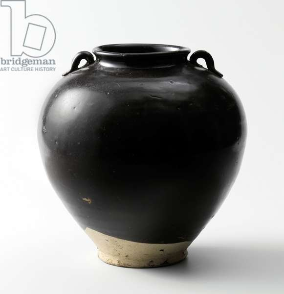 China: Glazed pottery storage jar, late Tang Dynasty (618-907), c. 900 CE