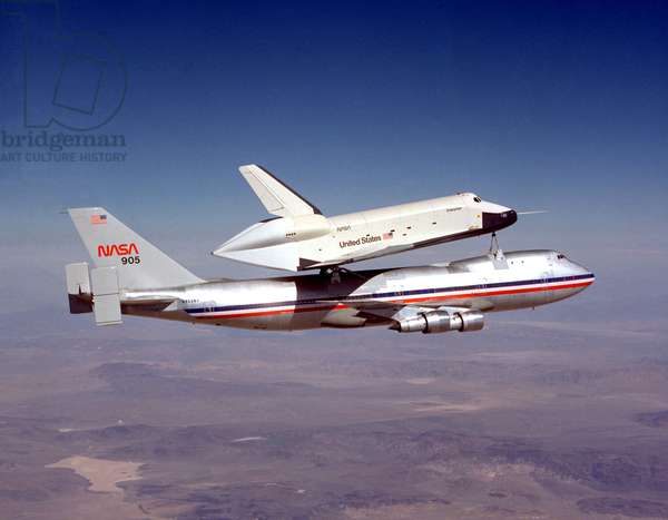 Entreprise space shuttle on the Nasa 905 jet trials 1977, first Shuttle/747 Captive Flight