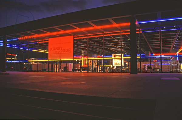 View of the Museum showing the light installation of Keith Sonnier, Neue Nationalgalerie (photo)