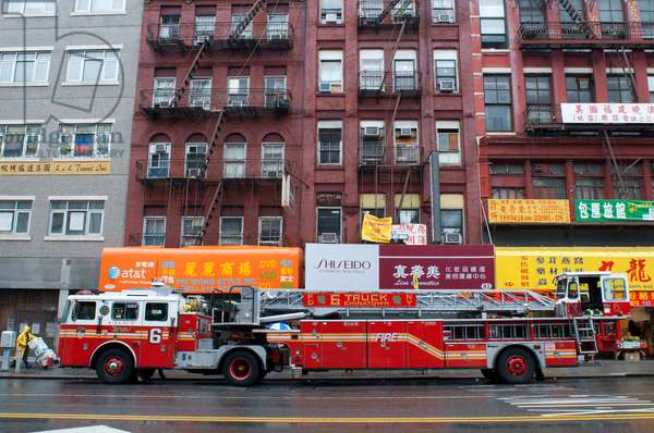 Firetruck  in Chinatown in Manhattan, New York, USA (photo)