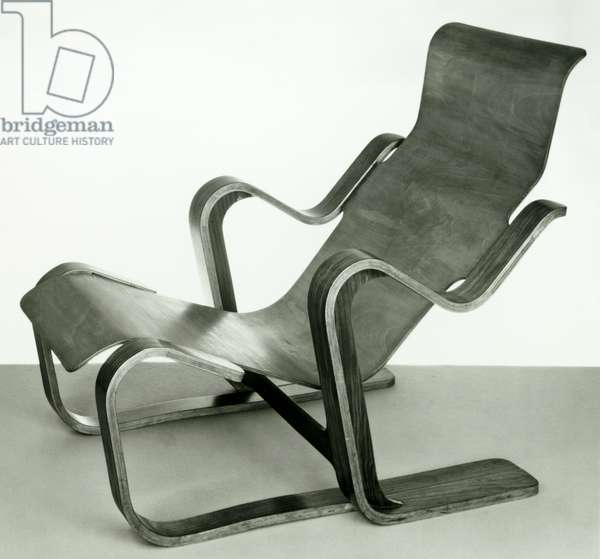 Chair designed by Breuer, Marcel (1902-81). Made by Isokon Furniture Company, London 1936. Black and White Photograph