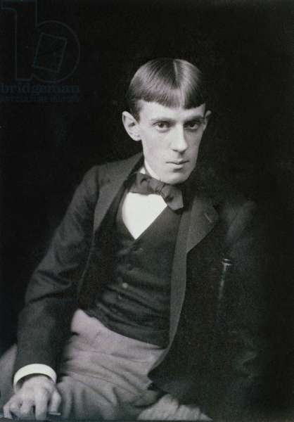 Portrait photograph of Aubrey Beardsley (1872-98) by Frederick Hollyer (1837-1933) (b/w photo)