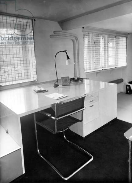 Interior with a desk by Marcel Breuer, 1935 (b/w photo)