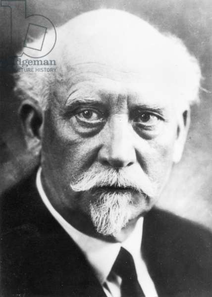 Portrait of Philipp Scheidemann (1865-1939), second Chancellor in the Weimar Republic (b/w photo)