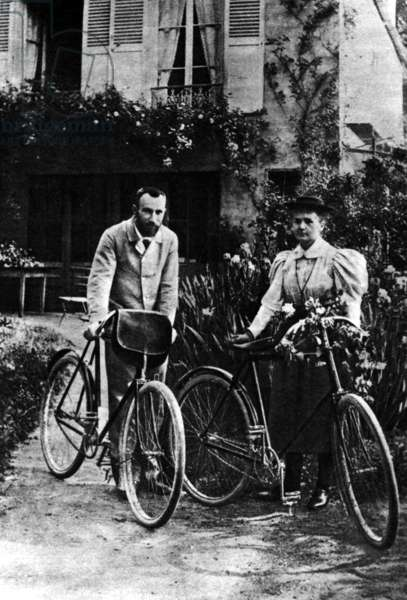 Marie Curie and Pierre Curie, 1895 (b/w photo)