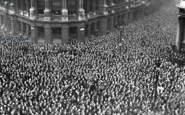 Armistice celebrations at the London Stock Exchange (b/w photo)
