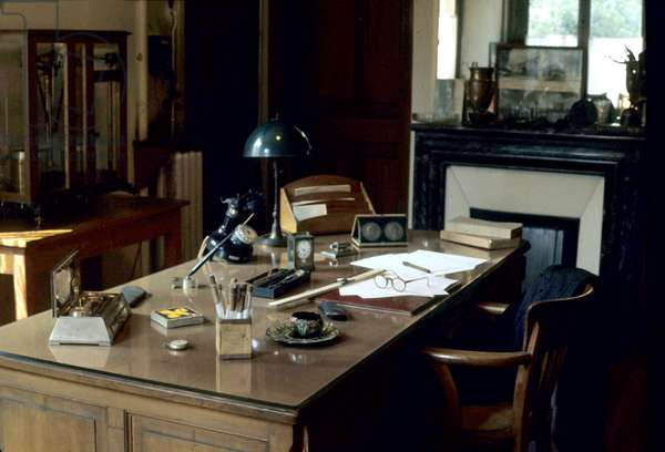 Marie Curie's desk in Curie foundation in Paris created by Marie Curie in 1909 to fight against cancer