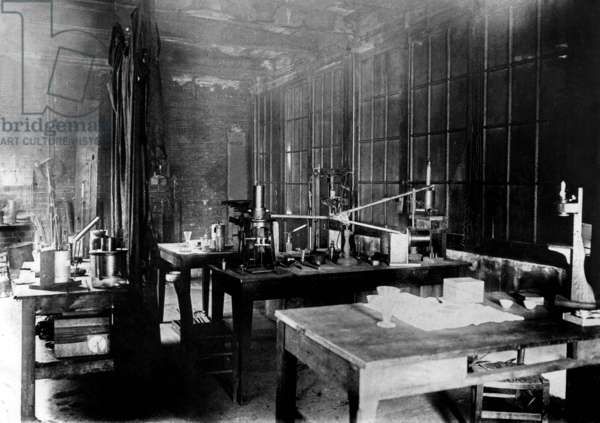 Laboratory of Pierre and Marie Curie at the