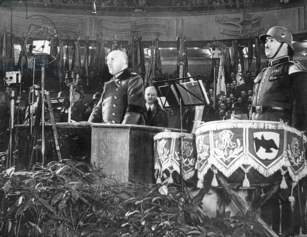 General Kurt von Schleicher (1882-1934) last chancellor of the Weimar republic pronouncing a speech 1933