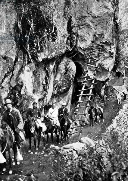 Expedition of Hiram Bingham the Andes Cordillera in Peru to discover Machu Picchu, in 1911 : here in Urubamba canyon