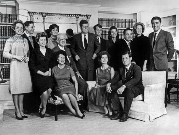 The Kennedys in 1962 : standing l-r : Ethel Kennedy, Stephen Smith, Jean Kennedy, John F. Kennedy, Robert Kennedy, Patricia Kennedy Lawford, Robert Sargent Shriver, Joan Bennett and Peter Lawford ; seated : Eunice Kennedy Shriver, Rose Kennedy, Joseph