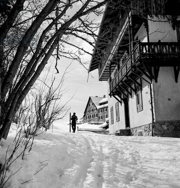 Winter Walk, St Moritz during the 1948 Winter Olympics, 1948 (b/w photo)