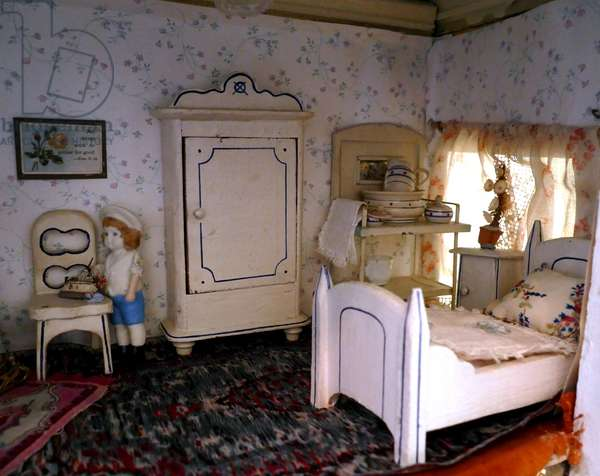 Bedroom in a Dolls House