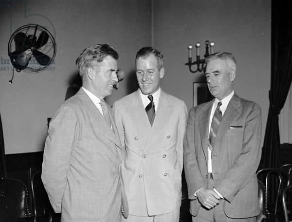 New dust bowl program for southwest. Shown left to right are : Wallace, Kimmel, and Asst. Sec. of Agriculture M.L. Wilson.