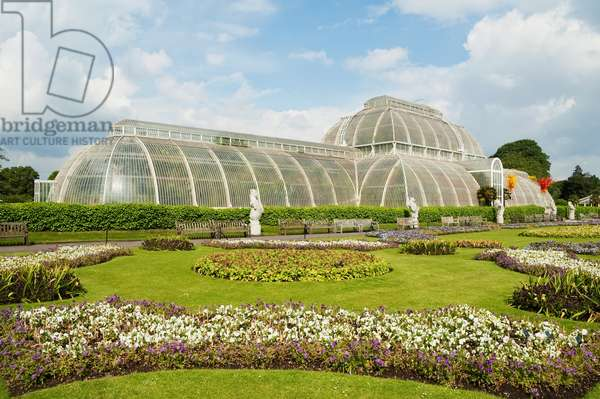 Palm House at Royal Botanic Gardens, Kew, Surrey, England, United Kingdom (photo)